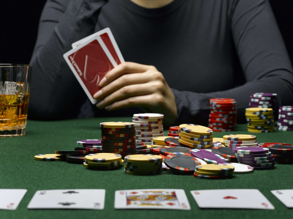 Limitations And Betting For Poker Beginners - Gambling